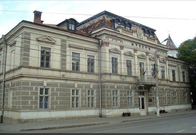 Muzeul Arta Lemnului, Câmpulung Moldovenesc © Lucian SPETCU, 24 Iulie 2011